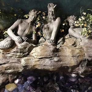 La Belle et la Bête:  Amethyst Grotte