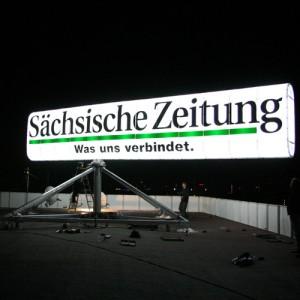 Saechsische Zeitung: Reklameschild